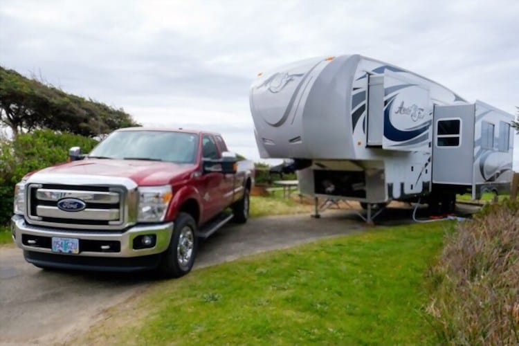 5th Wheel Towing vs Conventional Towing