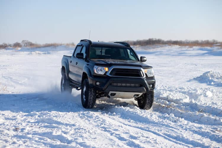 Factors to Consider Before Towing with a toyota tacoma