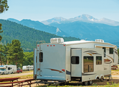 What Is The Advantage of a Fifth Wheel Trailer?