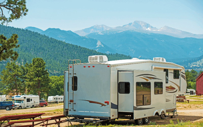 Advantage of a Fifth Wheel Trailer
