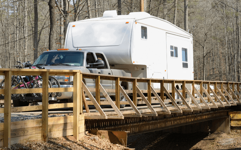 diesel vs gas for towing a 5th wheel trailer
